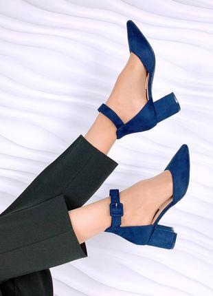 Туфельки туфли на невысоком каблуке с твердой пяточкой синие
