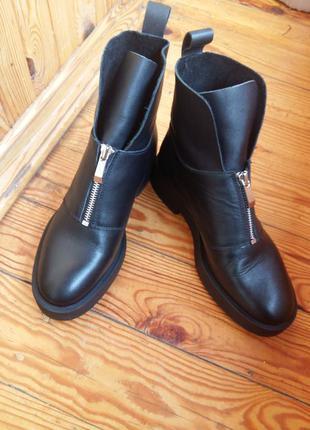 Кожаные ботинки сапоги zara