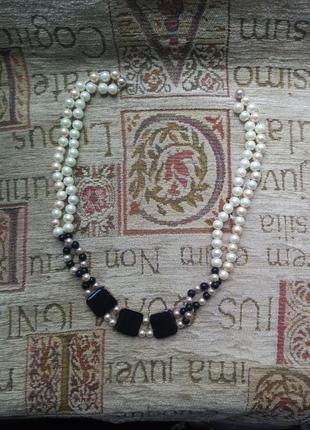 Жемчужное ожерелье с пластинами покрытыми эмалью