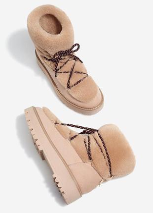 Новые зимние  ботинки со шнуровкой и меховой отделкой stradivarius (36-40)