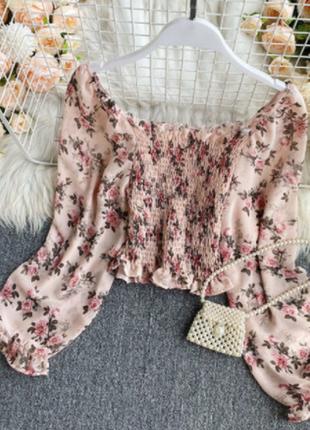 Кроп топ блуза блузка в цветочный принт с открытыми