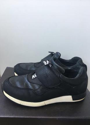 Кожанні кросівки