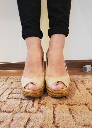 Босоножки с открытым носком