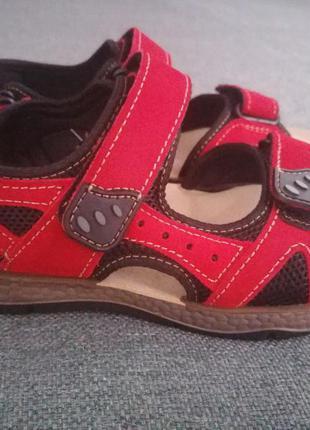 Комфортные спортивные сандалии inblu