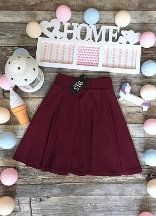 Красивая бордовая расклешенная юбка бренда new look