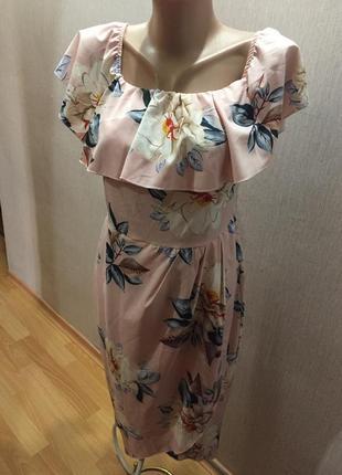Платье цветочный принт с воланами на запах