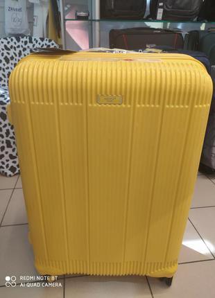 Большой чемодан фирмы airtex