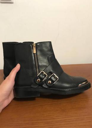 Ботинки zara, практически новые