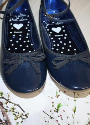 Стильные,лаковые синие туфельки! bluezoo