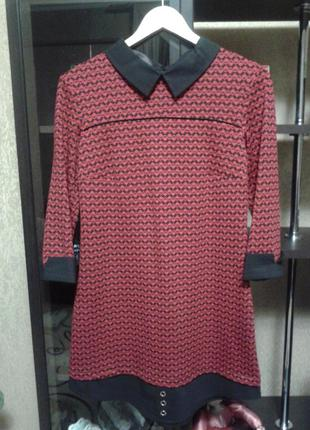Очень красивое платье с имитацией рубашки..