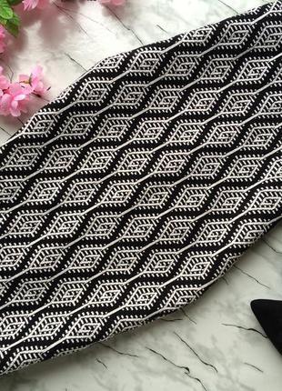 Стильная юбка миди zara  карандаш в орнамент высокая талия
