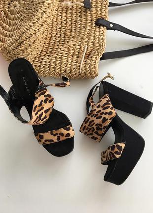 Леопардовые босоножки!!!