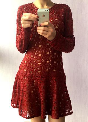 Ніжне плаття кольору марсала zara