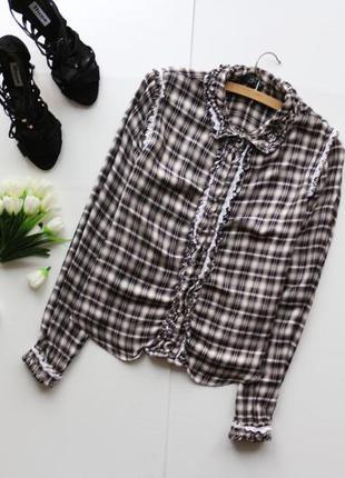 Стильная рубашка в клеточку с длинным рукавом