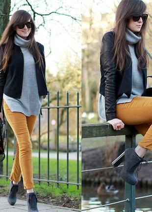 Горчичные брюки от бренда bershka