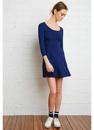 Короткое трикотажное базовое платье