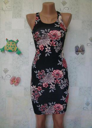 Летнее трикотажное платье по фигуре в цветоный принт 38-40 рр