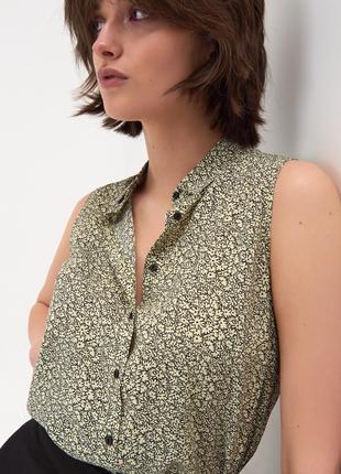 Новая желтая блузка лимонная рубашка без рукавов узор принт черные цветы пуговицы xxs xs s