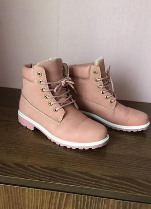 Пудровые зимние ботинки timberland 41.