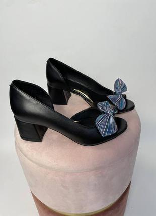 Эксклюзивные туфли из натуральной итальянской кожи чёрные с бантиком