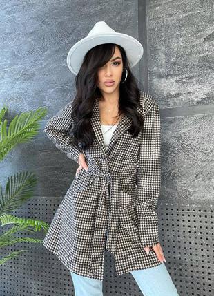 Женский пиджак кардиган в клеточку с поясом