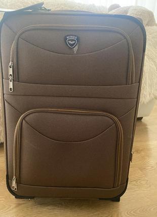 Новый чемодан на 60 литров