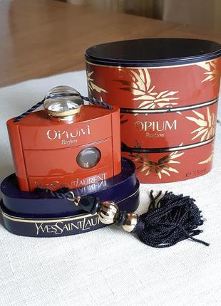 Флакон с кисточкой и коробка -туба от духов. yves saint laurent opium. франция. винтаж.