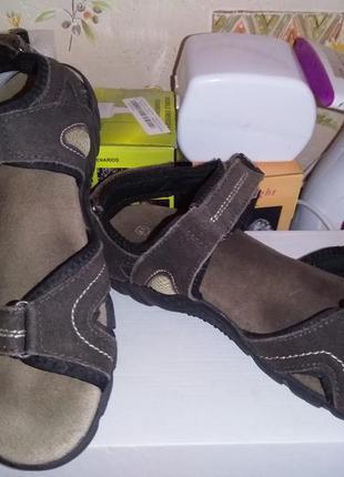 Открытые замшевые босоножки (сандалии)  спортивного типа
