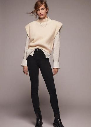 Черные джинсы с высокой посадкой от zara, все размеры, оригинал
