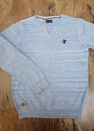 Фирменый , нежный свитерок