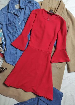 Boohoo платье красное с рукавами воланами 3/4 приталенное базовое