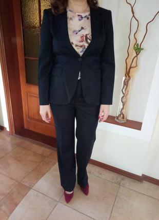 Классический брючный костюм zara, размер l