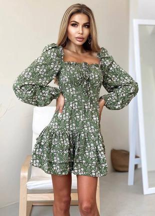 Платье в цветочек оливковое