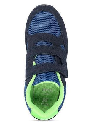 Кросівки bata
