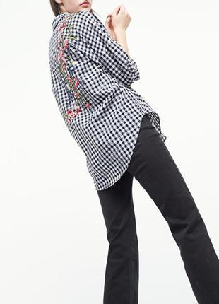 Рубашка в клетку свободного кроя с вышивкой, размер м