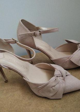 Туфли розовые на тонком каблуке