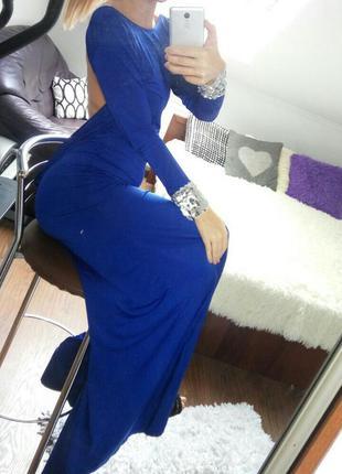 Вечірнє плаття з відкритою спиною