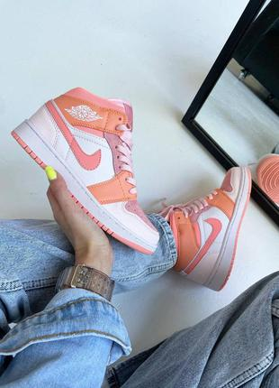 Женские стильные осенние кроссовки nike air jordan retro 1 high orange carrot