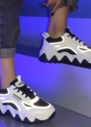 Кроссовки неон светящиеся