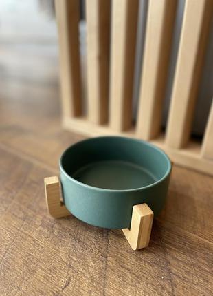 Миска керамічна на бамбуковій підставці для собак та кішок. зелена