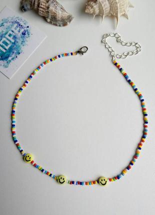 Чокер из бисера и бусин смайлики, радужный, цветной, яркий, колье, тренд 2021, ожерелье