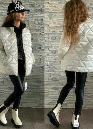 Куртка на девочку демисезонная белого цвета фирмы zara