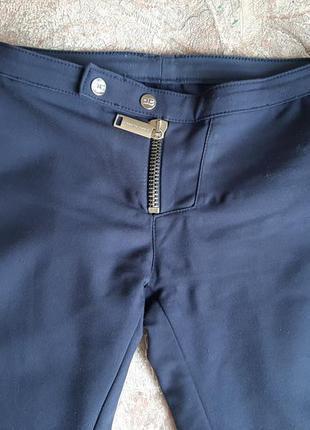 Тренд штаны брюки джеггинсы зауженные школа форма синяя книзу скинни по ножке бедровки леггинсы посадка средняя низкая скинни коттон эластан