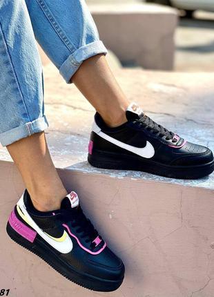 Женские черные кроссовки из натуральной кожи с цветными вставками