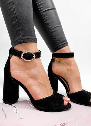 Босоножки туфли босоніжки туфлі с закрытой пяткой на устойчивом широком каблуке качественные якісні замшеві замшевые на узкую среднюю ногу чёрные