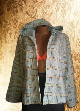 Стильный пиджак- бомпер с капюшоном. прит шотландская клетка.