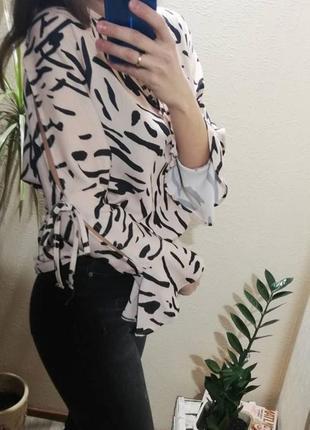 Пудровая блуза принт mivite italy италия рукав волан
