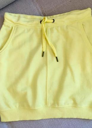 Трикотажная желтенькая юбочка