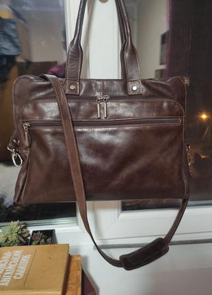 Кожаная темно коричневая сумка портфель на плечо для ноутбука документов