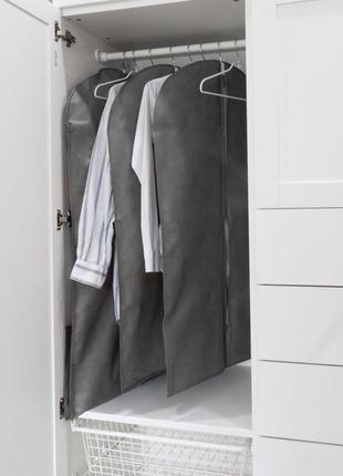 Практичный чехол для одежды